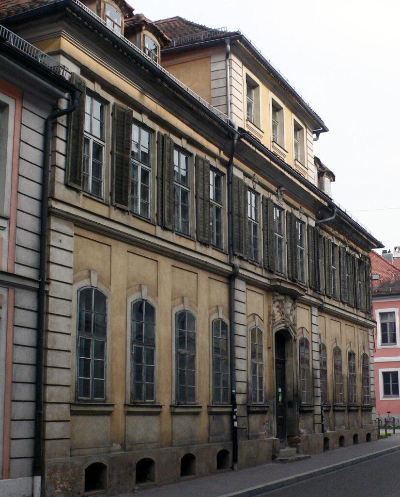 Das Rettÿ-Haus in Ansbach (2016).  Rettÿ verkaufte das Haus im März 1749 an den Oberamtmann und Obervogt von Ansbach, Christoph Ludwig von Seckendorff.